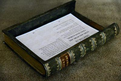 Faux book filing tray b0701